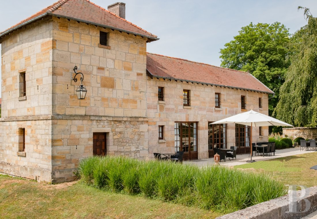 fA former fortress renovated with a contemporary spirit,  not far from Bar-le-Duc - photo  n°5