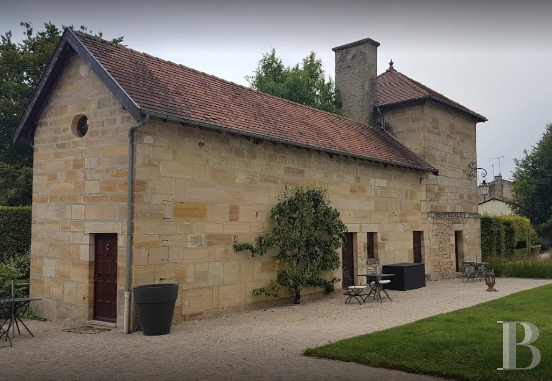 fA former fortress renovated with a contemporary spirit,  not farm from Bar-le-Duc - photo N�4