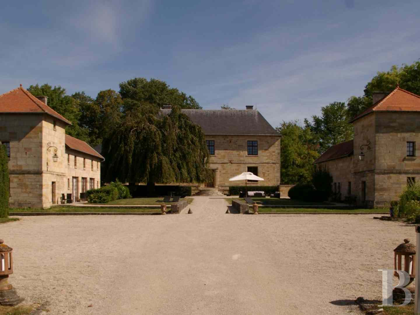 chateaux for sale France lorraine manors for - 1 zoom