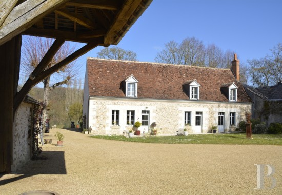character properties France center val de loire   - 1