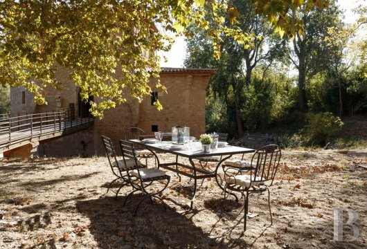 fA former fortified mill transformed into a family home  on the banks of the Hérault, between Montpellier and Béziers - photo N°26