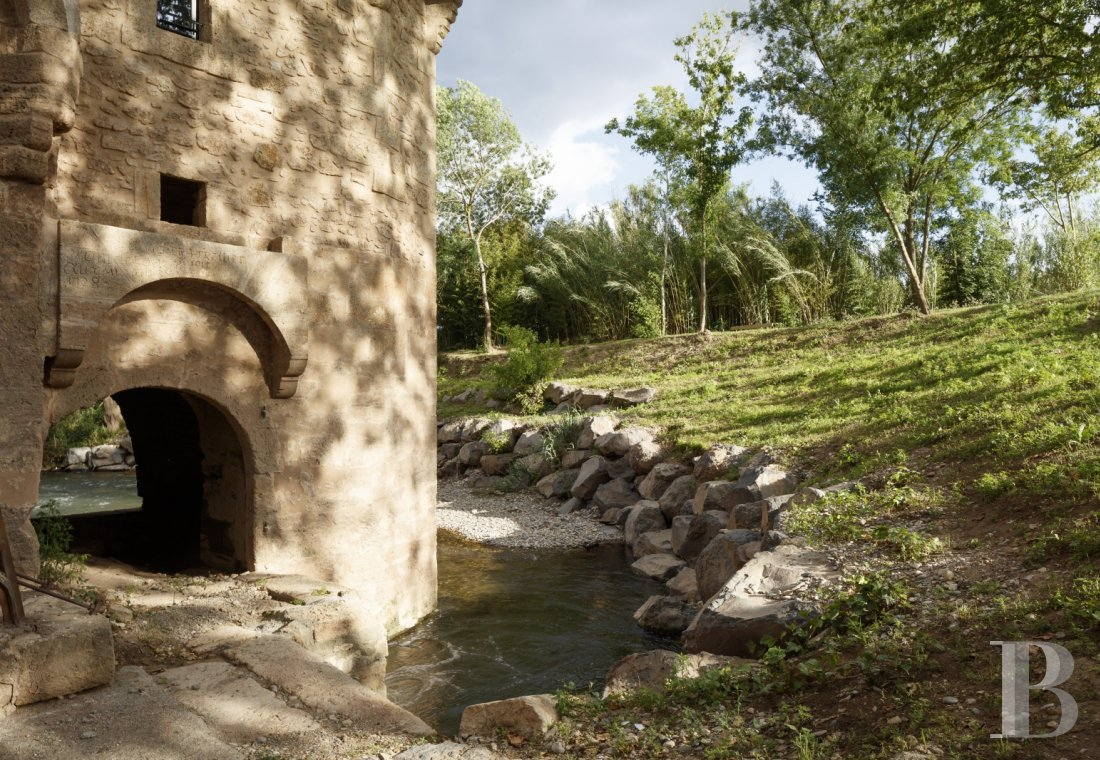 A former fortified mill transformed into a family home  on the banks of the Hérault, between Montpellier and Béziers - photo  n°6