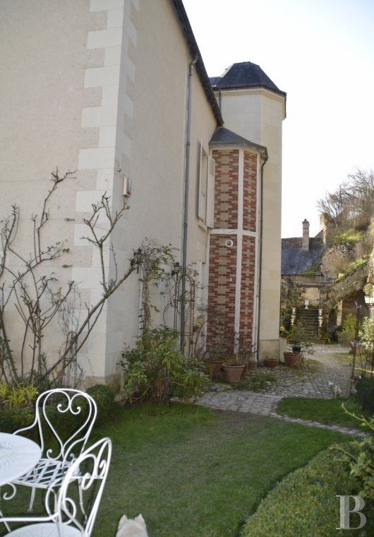 character properties France center val de loire character houses - 2 mini