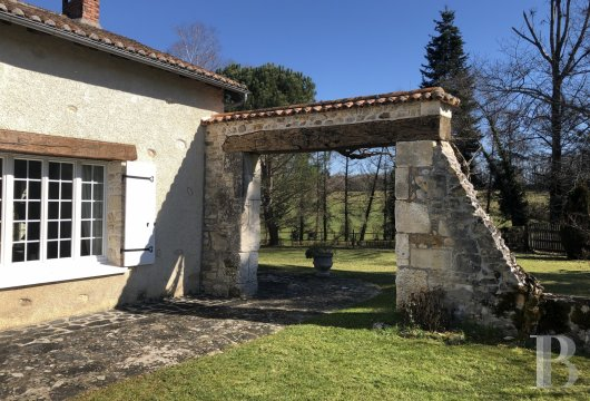 character properties France aquitaine   - 4