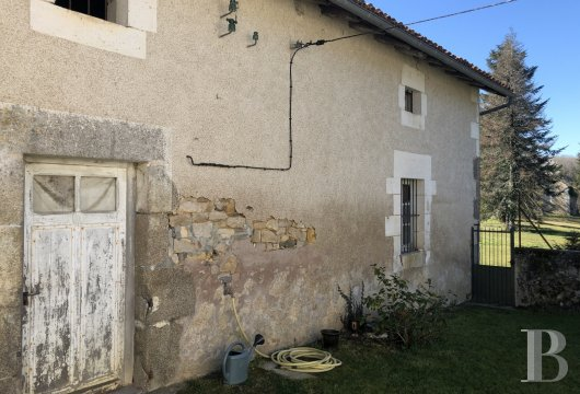 character properties France aquitaine   - 11