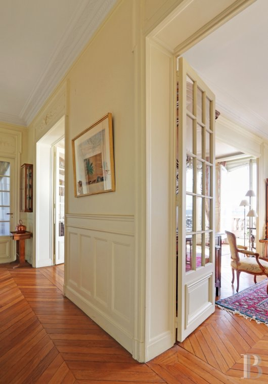 appartments for sale - paris - A refined, 150 m², 3-bedroomed flat facing the Château-de-Vincennes