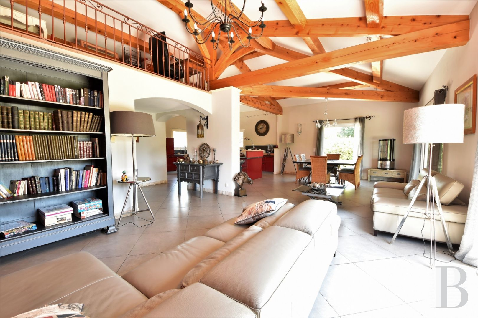 character properties France provence cote dazur 3927  - 4 zoom