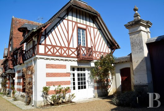 character properties France center val de loire character houses - 2