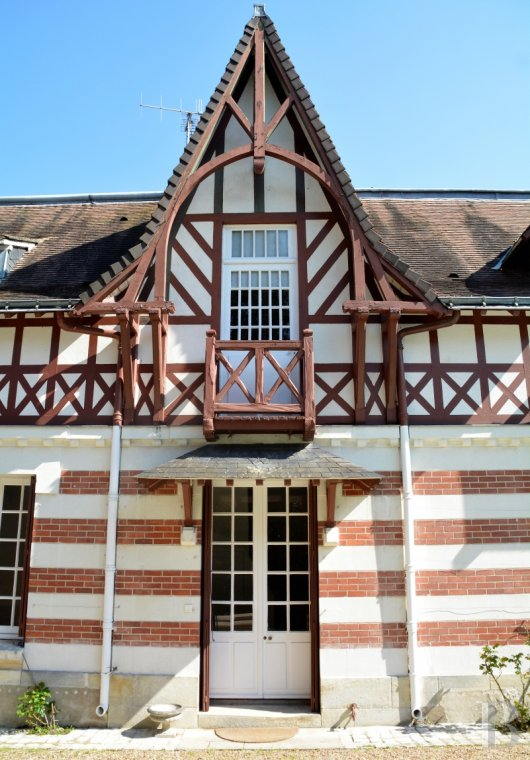 character properties France center val de loire character houses - 3