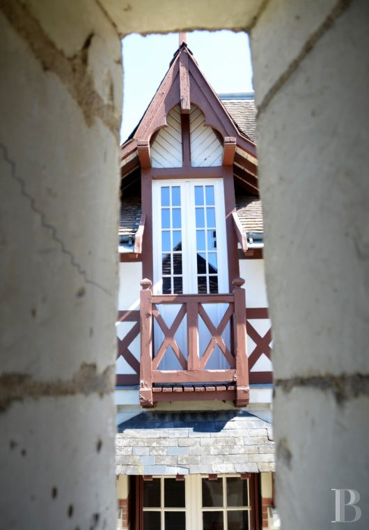 character properties France center val de loire character houses - 13