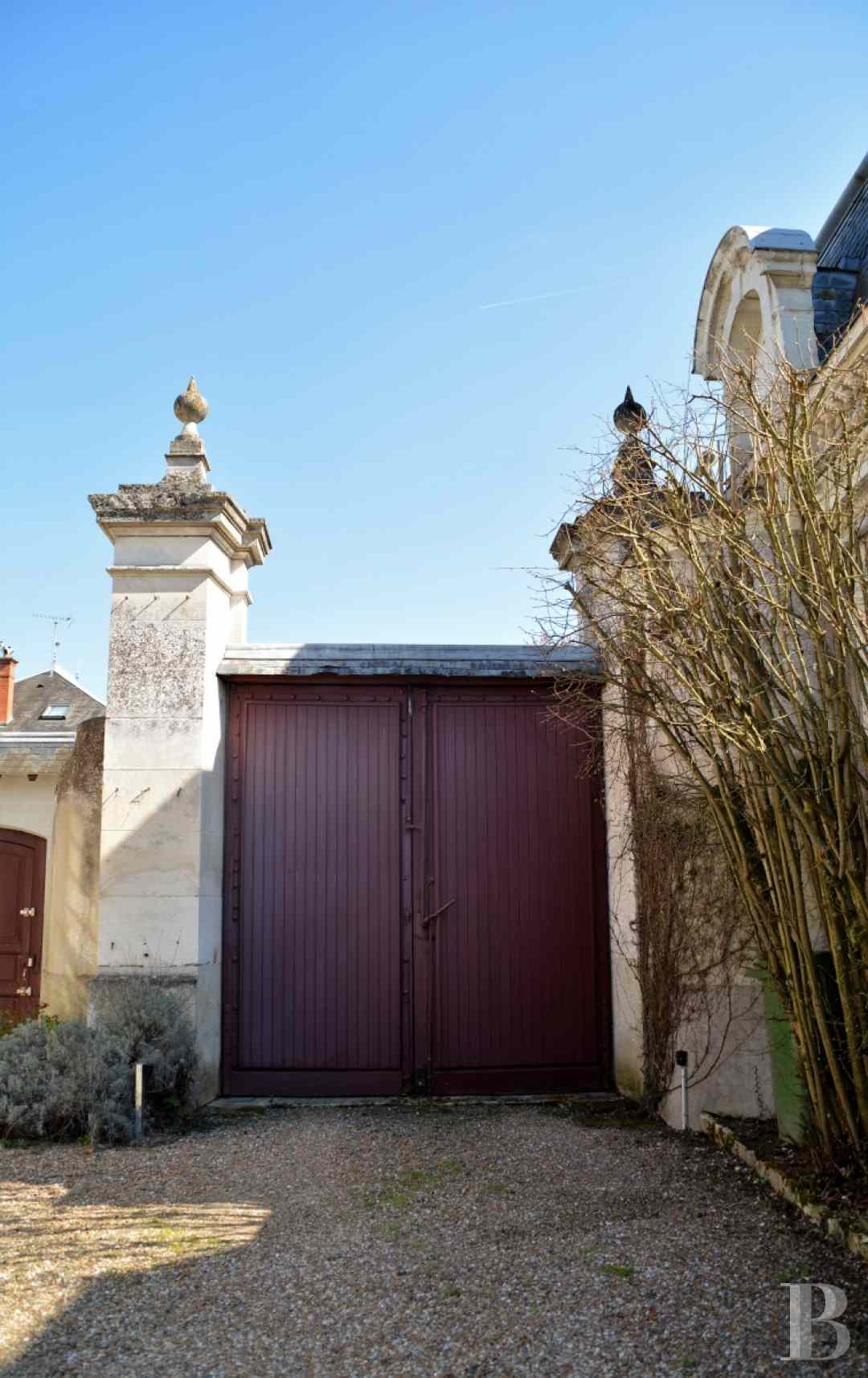 character properties France center val de loire character houses - 14 zoom