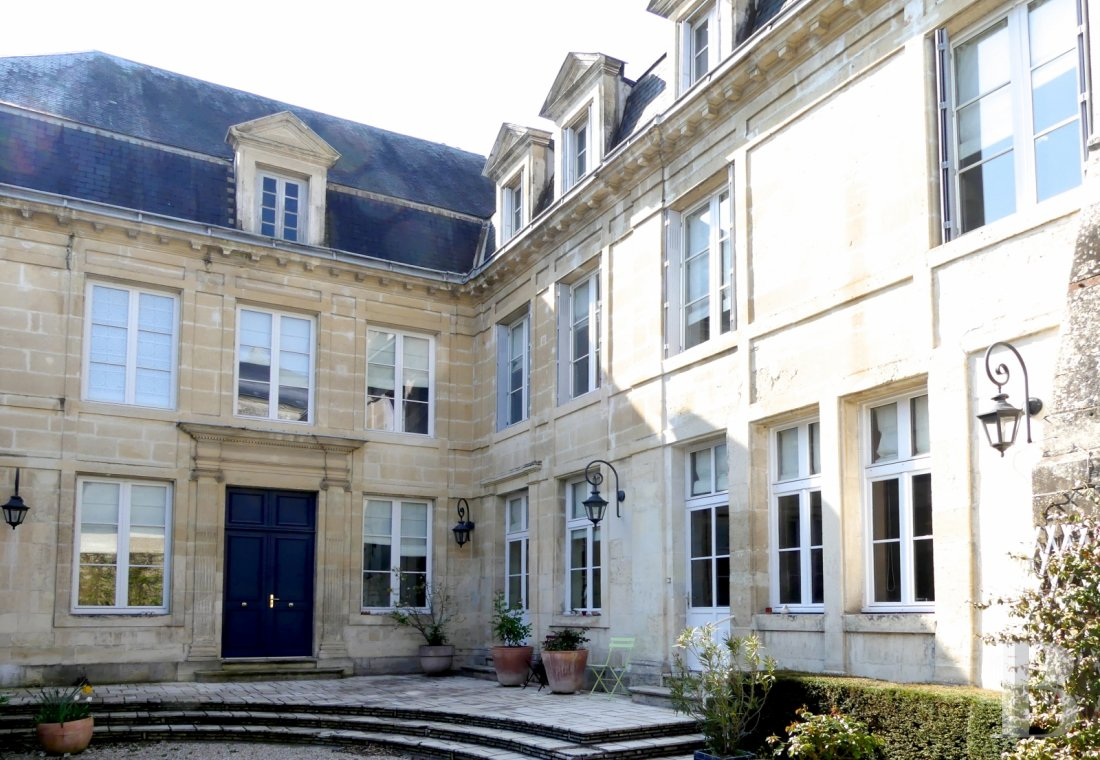 mansion houses for sale France poitou charentes   - 1