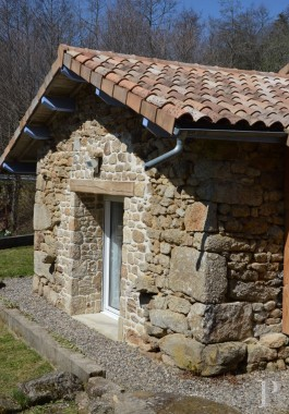 character properties France auvergne   - 3