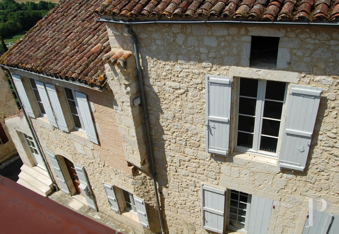 character properties France midi pyrenees   - 5