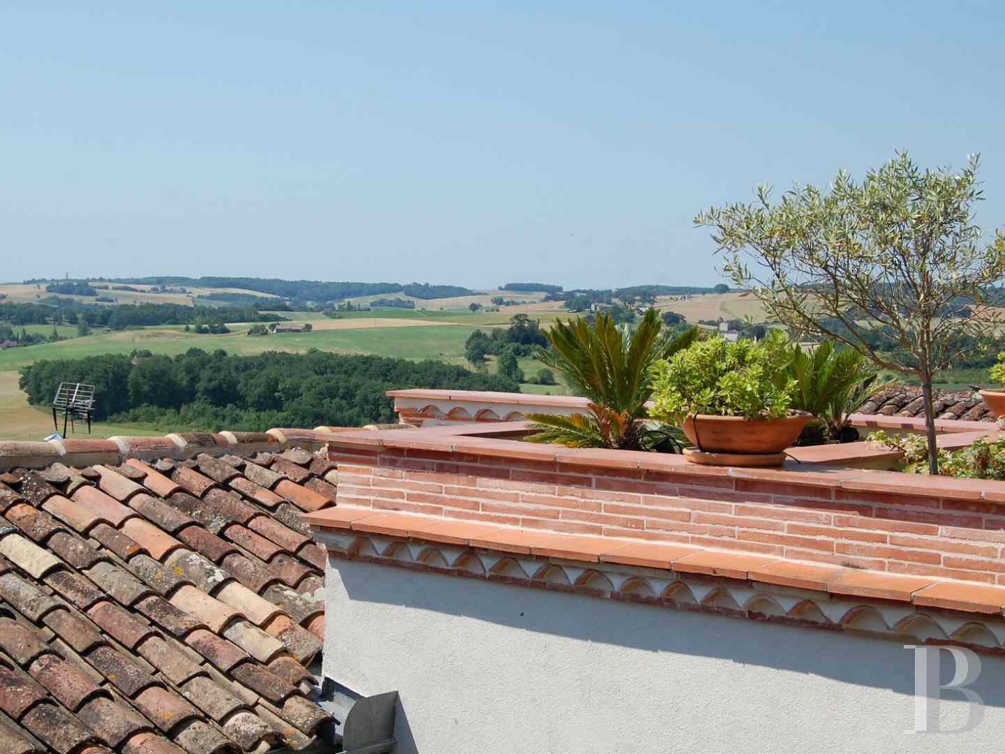 character properties France midi pyrenees 4026  - 19 zoom