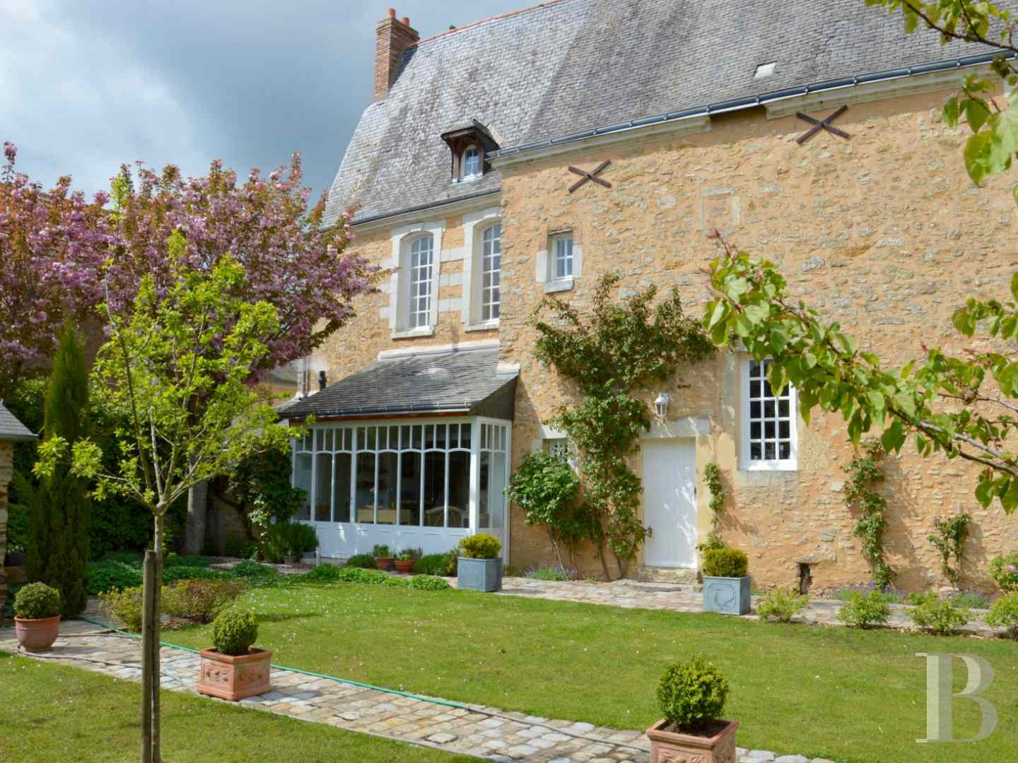 monastery for sale France pays de loire 4021  - 1 zoom