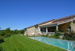 character properties France aquitaine   - 15