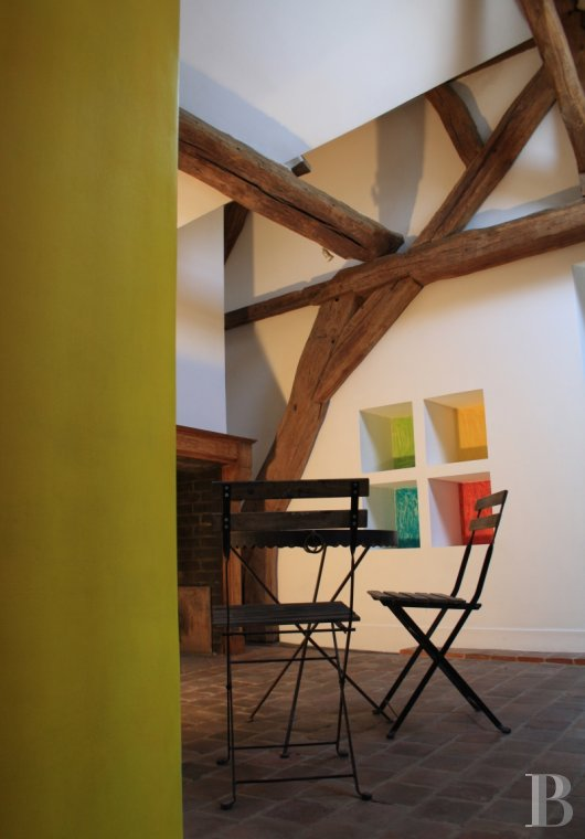 apartments for sale - paris - An artist's studio rehabilitated into an original, 82 m² flat, in old farm buildings,  in the Fourqueux district of Saint-Germain-en-Laye