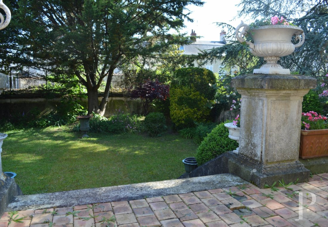 mansion houses for sale France center val de loire   - 17