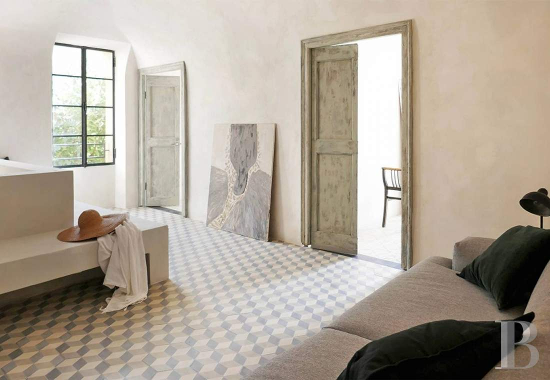 A village house saved from abandon between the sea and the mountains in Liguria - photo  n°10