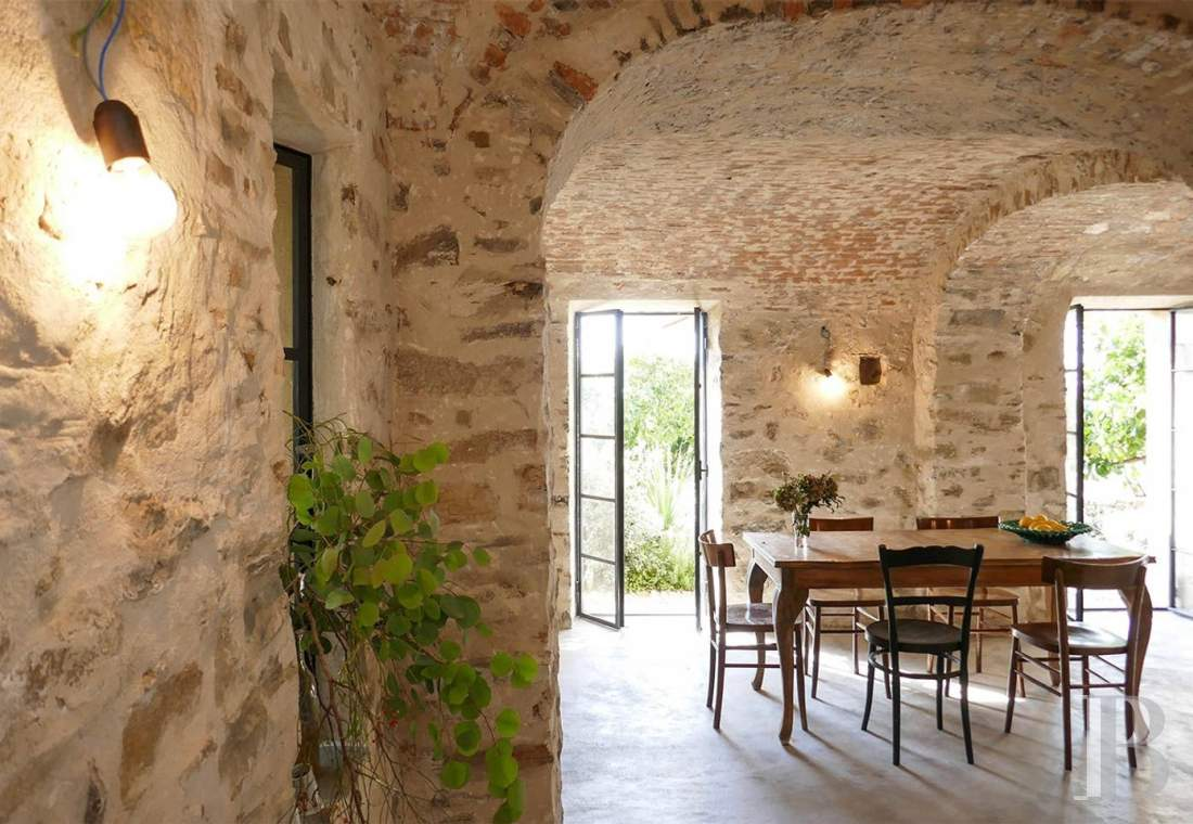 A village house saved from abandon between the sea and the mountains in Liguria - photo  n°4