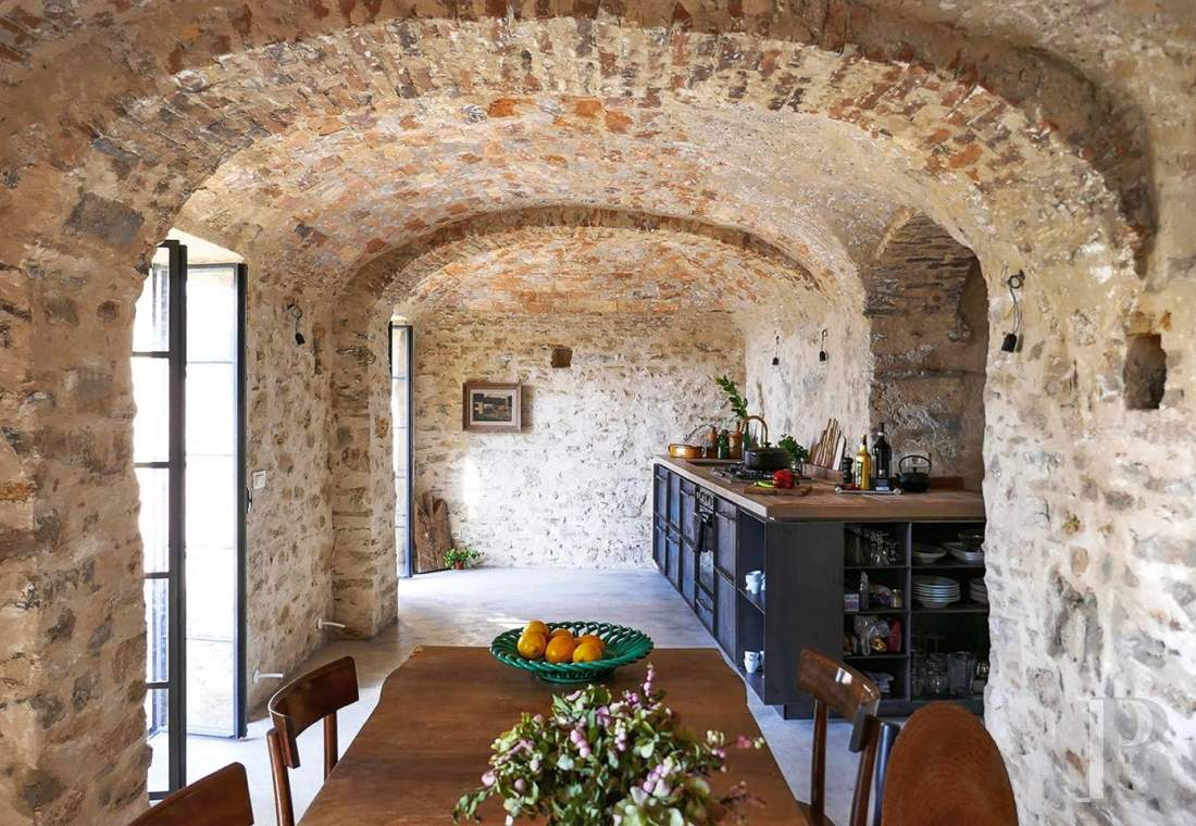 A village house saved from abandon between the sea and the mountains in Liguria - photo  n°6