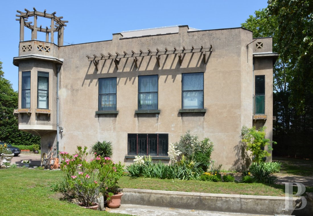 Historic buildings for sale - rhones-alps - In Lyon city centre, a listed, Art Deco style villa  and an office building in parklands with a lake