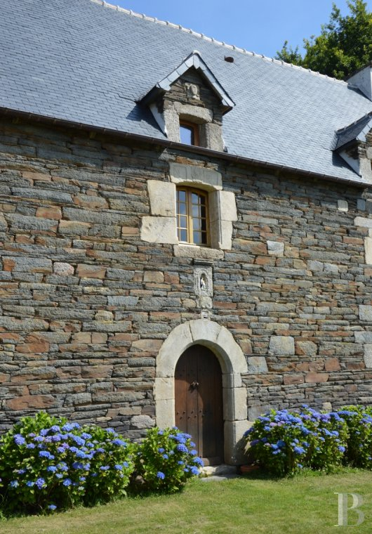 Manors for sale - brittany - In the French department of Côtes-d'Armor, 30 minutes from the sea,  an 18th century manor house and its outbuildings in almost 4 ha