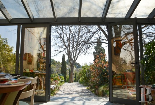 character properties France provence cote dazur   - 2