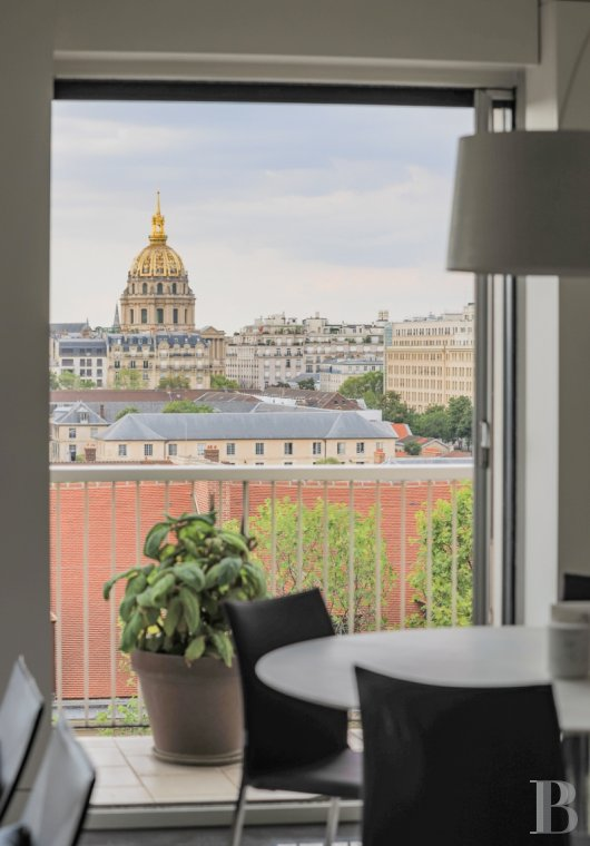 apartments for sale - paris - Dominating the École-Militaire and Parisian landmarks,  an airy, designer flat with an impressive view