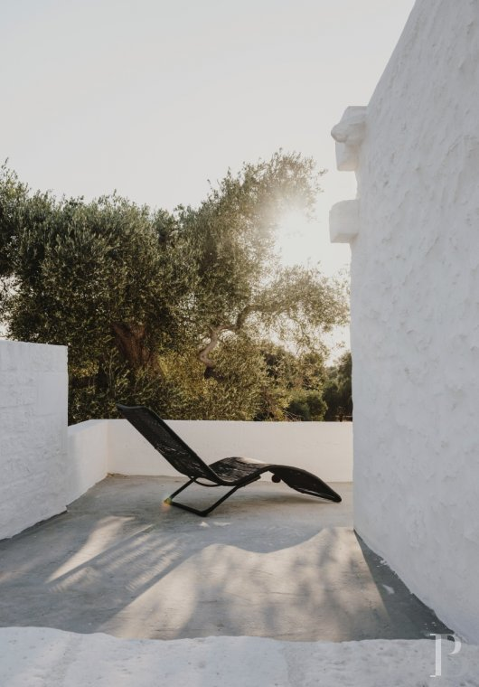 A «masseria» with guest rooms in the middle of an olive grove in Puglia, not far from Ostuni - photo  n°18