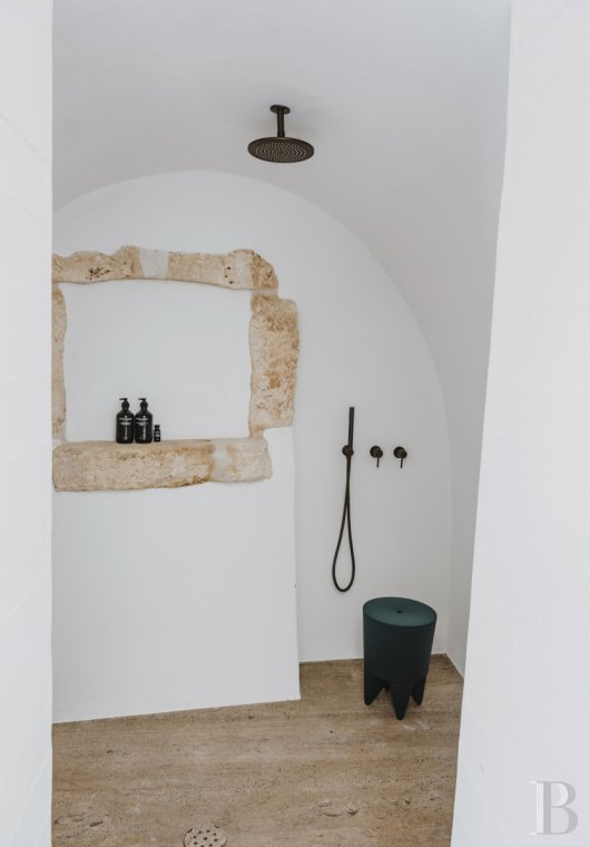 A «masseria» with guest rooms in the middle of an olive grove in Puglia, not far from Ostuni - photo  n°15