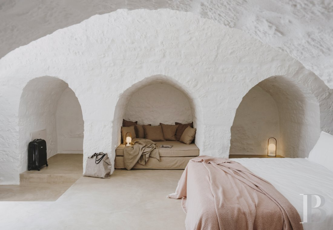 A «masseria» with guest rooms in the middle of an olive grove in Puglia, not far from Ostuni - photo  n°19