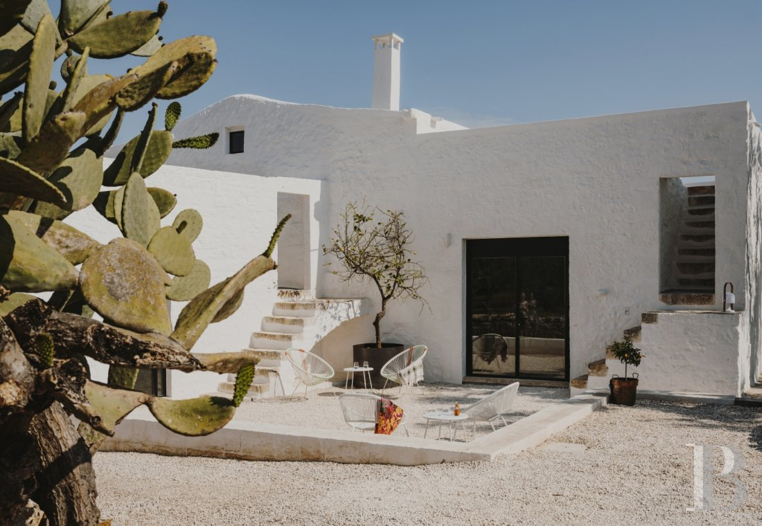 A «masseria» with guest rooms in the middle of an olive grove in Puglia, not far from Ostuni - photo  n°6