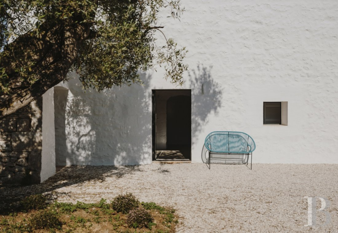 A «masseria» with guest rooms in the middle of an olive grove in Puglia, not far from Ostuni - photo  n°7