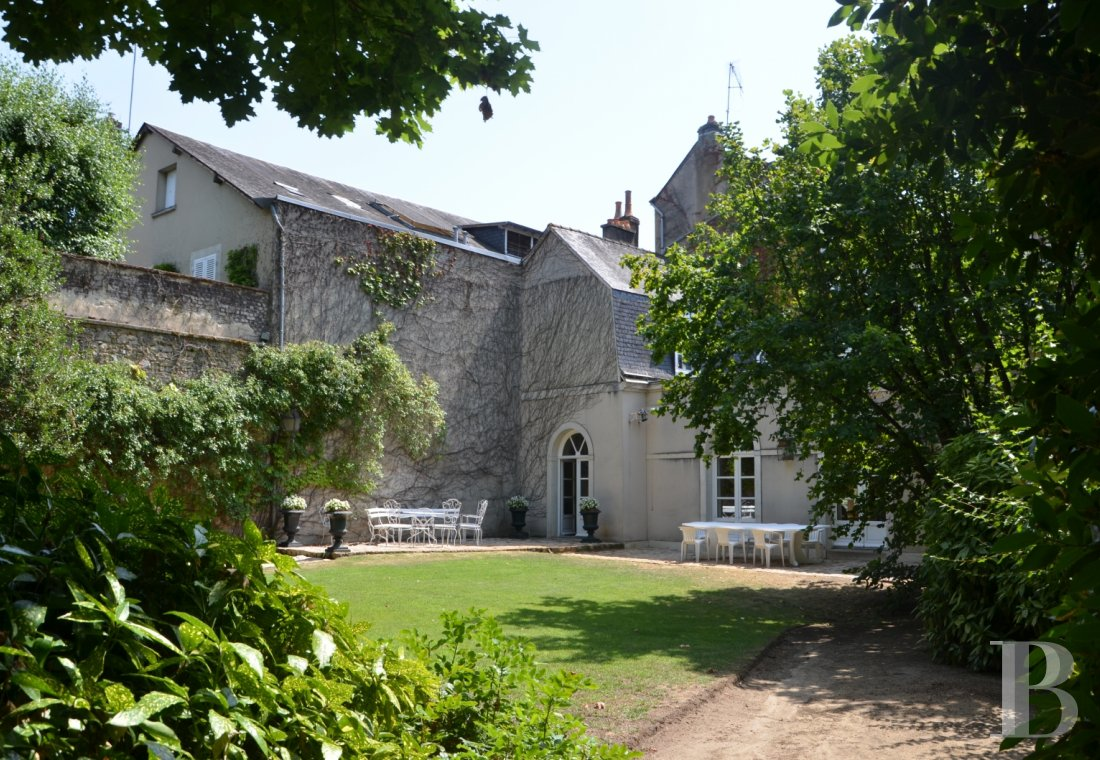 mansion houses for sale France pays de loire   - 17