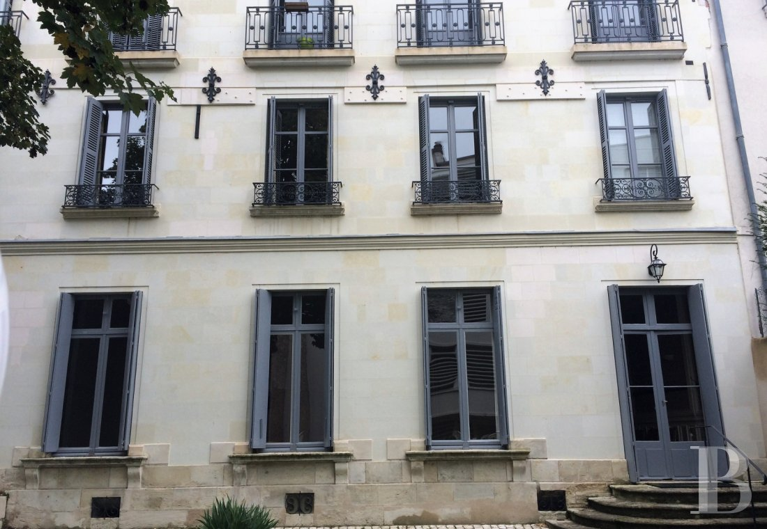 mansion houses for sale France center val de loire   - 1