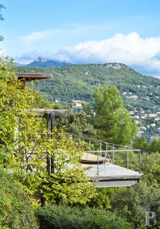 Character houses for sale - provence-cote-dazur - Dominating Grasse and the French Riviera,  a bold villa between land and sky