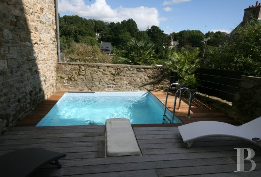 character properties France brittany   - 9