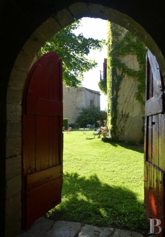 chateaux for sale France midi pyrenees   - 15