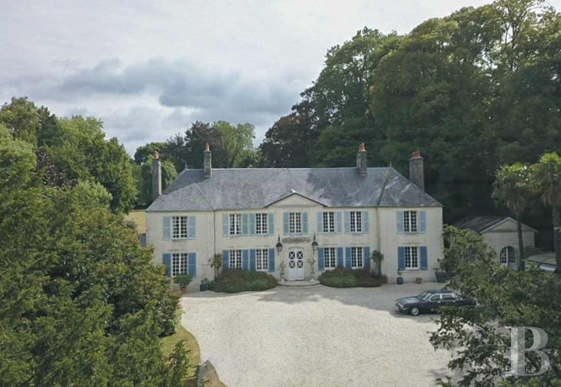 Castles / chateaux for sale - lower-normandy - A Directoire style chateau and its outbuildings in 11 ha  just a few minutes from the beaches on the Cotentin peninsula