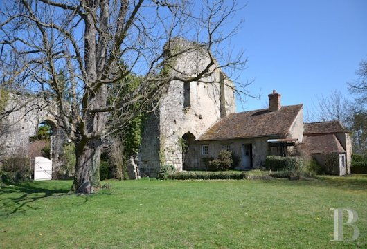 chateaux for sale France center val de loire fortress bourbonais - 3 mini