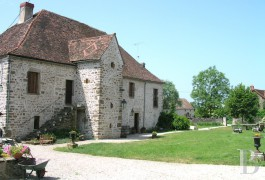 Village houses for sale - burgundy - In Côte d�Or,- an 18th century, renovated farmhouse