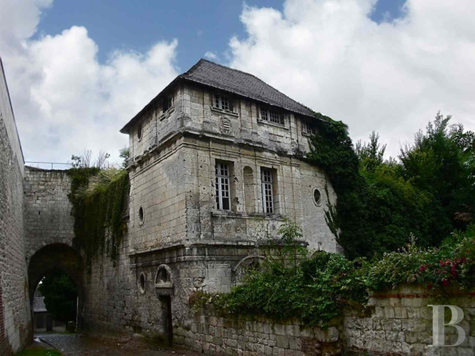 castles for sale France picardy historic buildings - 8 zoom