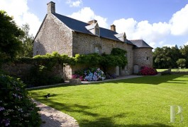Manors for sale - brittany - A 16th century manor house and its outbuildings between sea and forest near to Saint-Malo