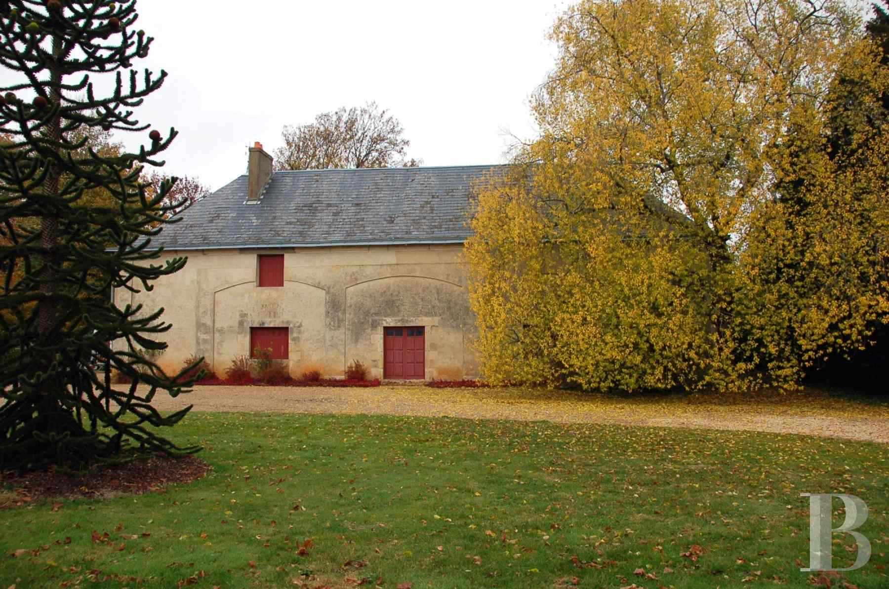 chateaux for sale France poitou charentes property outbuildings - 8 zoom