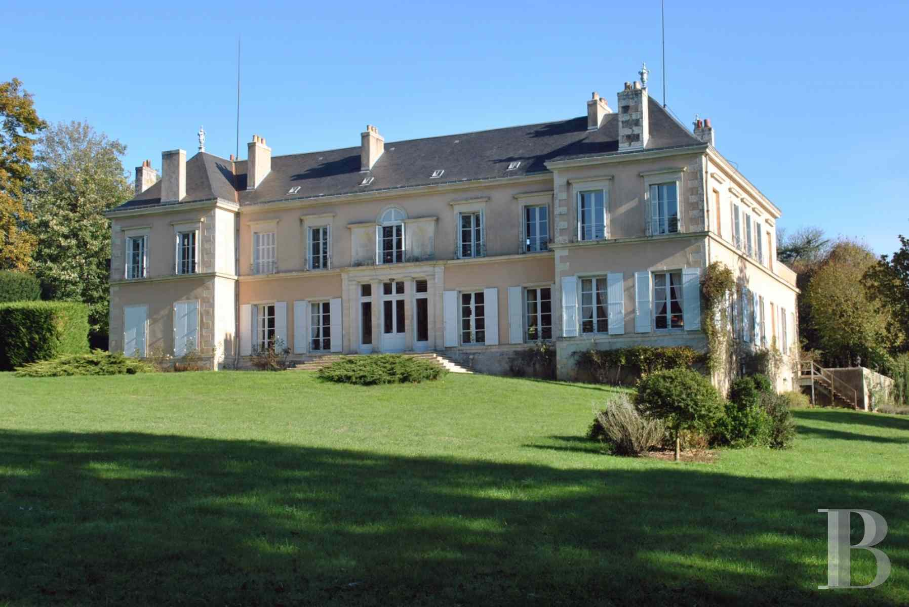 chateaux for sale France poitou charentes property outbuildings - 2 zoom