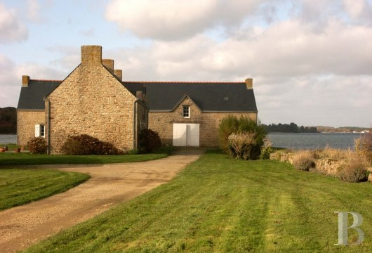 character properties France brittany property for - 4 mini