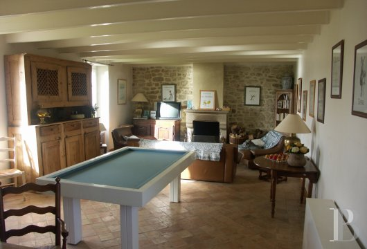 character properties France brittany property for - 6 mini
