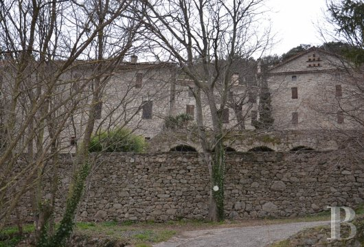 character properties France languedoc roussillon estate cevennes - 5